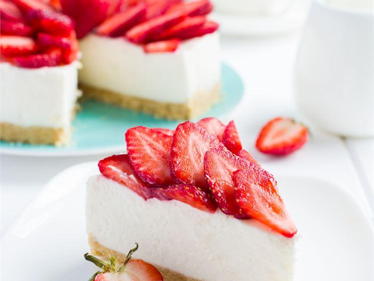 Somrig cheesecake med jordgubbar