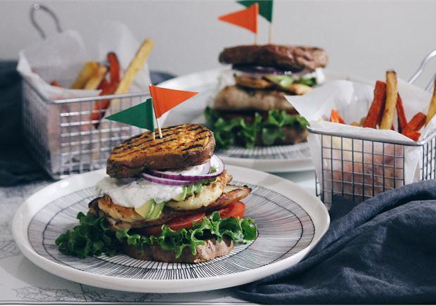 Bataatti-kanaburgerit