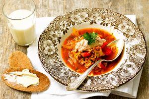 Tomaattinen minestronekeitto