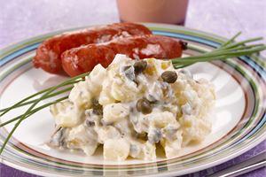 Kurkku-perunasalaatti