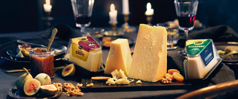 juustotarjotin joulupöytään