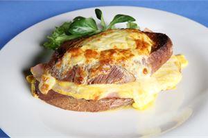Valio juustoklassikot: Salaneuvos® Croque Monsieur