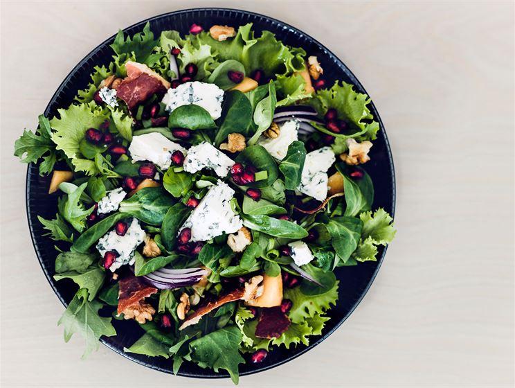 AURA salaatti