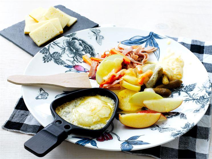 Raclette eli sulatettu juusto