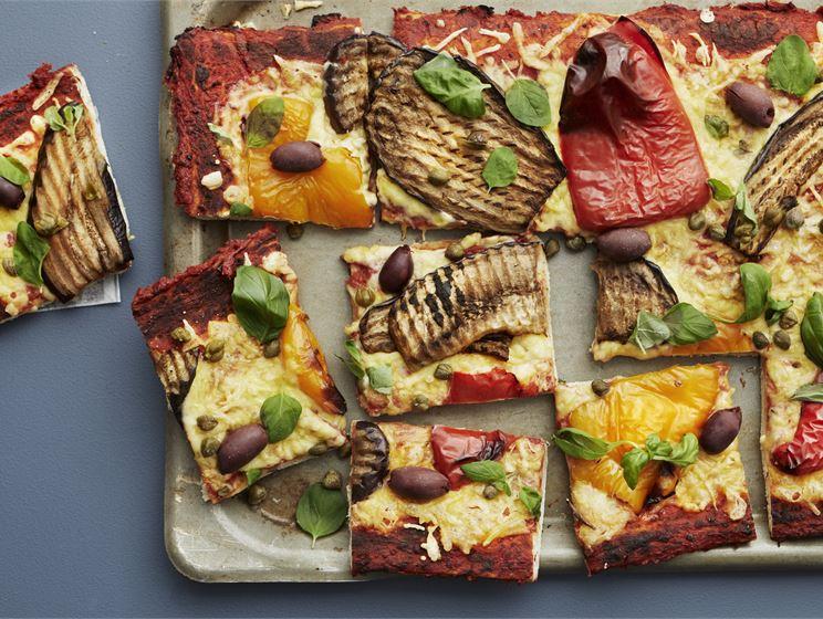 Vegaaninen pizza Puttanesca