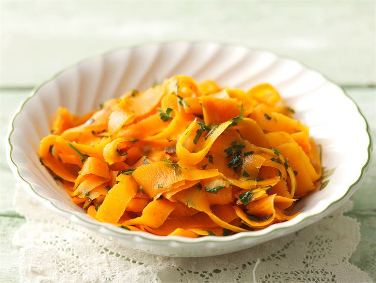 Porkkanatagliatelle